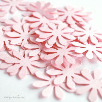 confettis fleurs rose