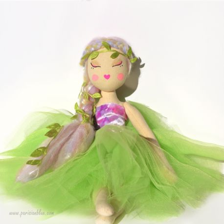 poupée ballerine vert